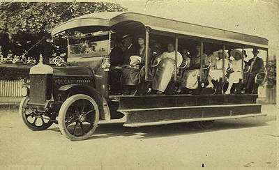 Early Bondi Beach bus